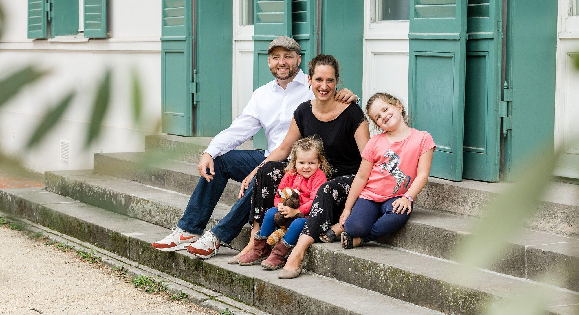 photografic, familienfotos, familienshooting, outdoorshooting, fotograf Berlin, fotograf wilmersdorf, fotostudio charlottenbrug, vivian werk